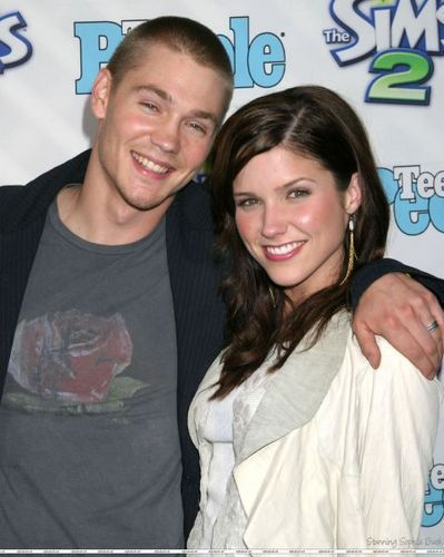 "Sophia Bush and Chad Michael Murray at 1st Annual Teen People ""Young Hollywood"" Issue"