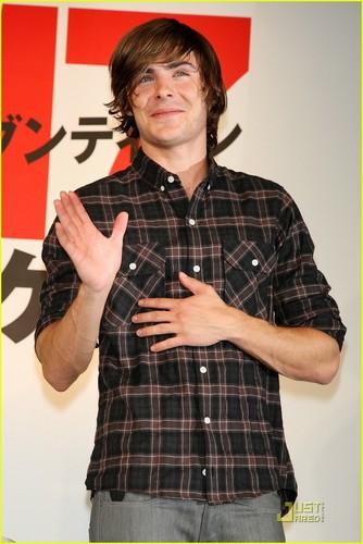 Zac @ 17 Again Press Conference Tokyo