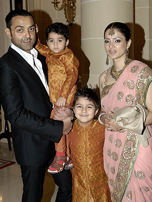 bobby with wife and kids - bollywood Photo