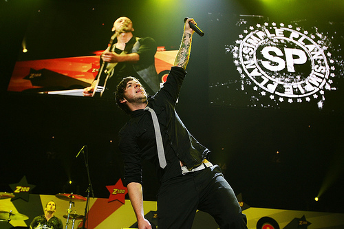 Simple Plan wallpaper probably with a concert entitled sp guyyss