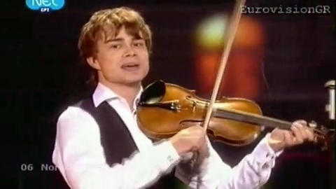 Alexander Rybak wallpaper containing a violist titled Alexander preforming Fairytale in the Finale
