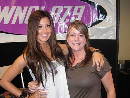 Ashley at Columbus, Ohio radio station WNCI 97.9 - May 19