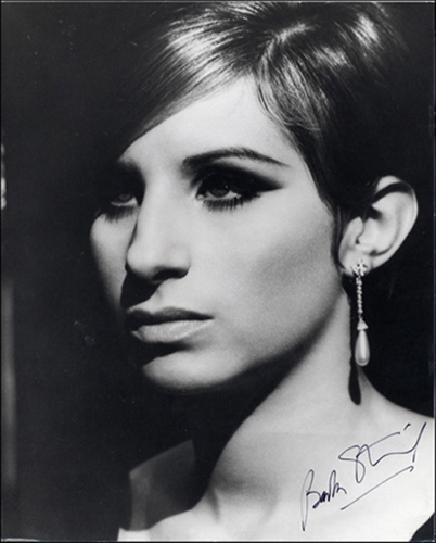 Barbra Streisand hình nền probably containing a portrait titled Barbra Streisand