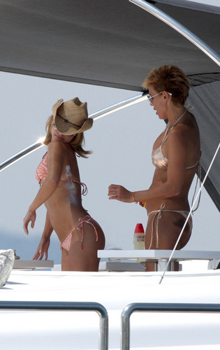 Hayden Panettiere boating in Cannes - May 19