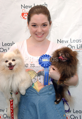 Jennifer @ the 8th Annual Nuts for Mutts Dog 表示する