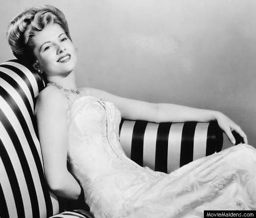 Classic Movies wallpaper containing skin called Joan Fontaine