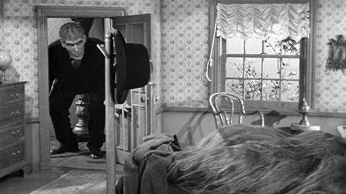 Addams Family wallpaper called Lurch Visiting Cousin Itt
