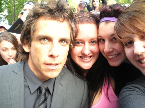 Me (x-missmckena-x) and my mates with Ben Stiller - fanpop-users Photo