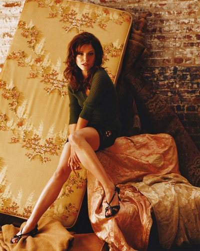 Sophia Bush wallpaper possibly with a drawing room and a sign entitled One Tree Hill Season 2 Photoshoot <3