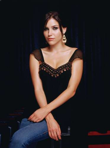 Sophia Bush wallpaper called One Tree Hill Season 3 Photoshoot <3