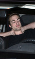 Robert Pattinson out in Vancouver - twilight-series photo