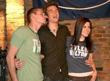Sophia buisson, bush and Chad Michael Murray at The amer End - Tyler Hilton concert