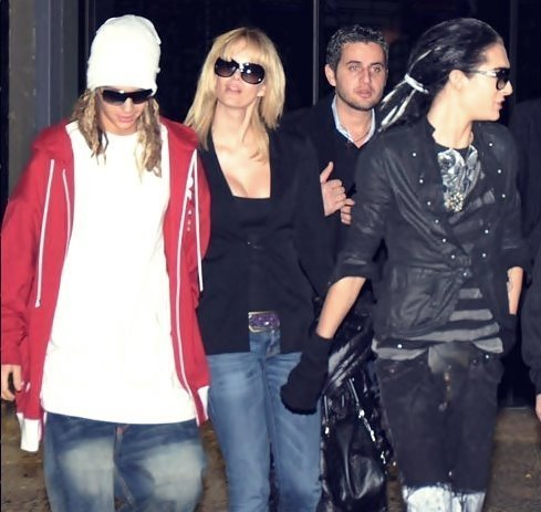 Tom & Bill Kaulitz fond d'écran with sunglasses titled Tom&Bill - 2009 Pics of the boys together :)