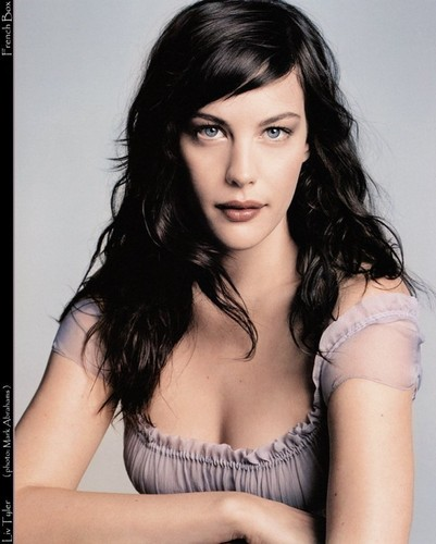Liv Tyler achtergrond containing a portrait called liv tyler
