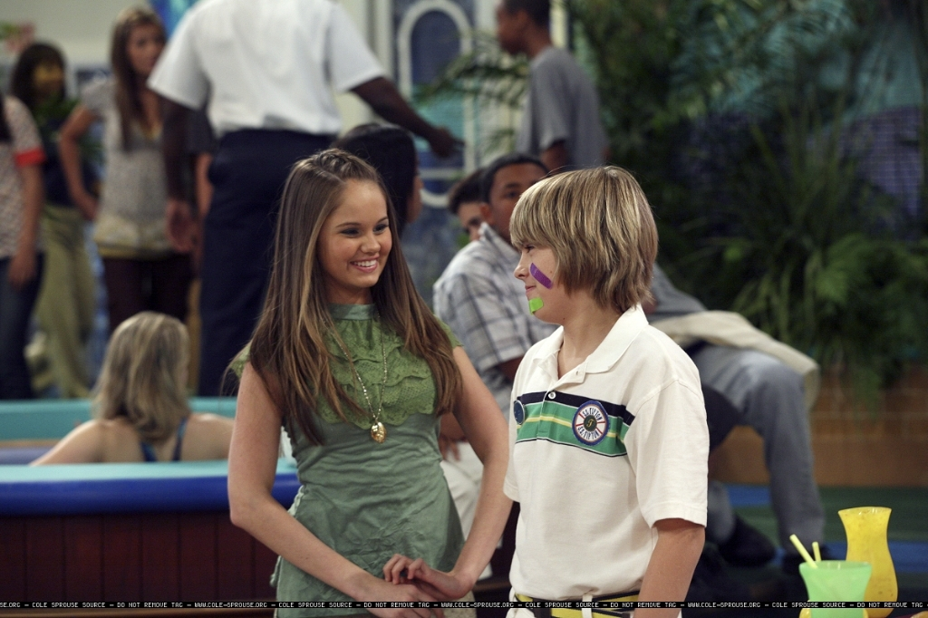 http://images2.fanpop.com/images/photos/6300000/1x03-Still-cody-and-bailey-6384558-1024-682.jpg