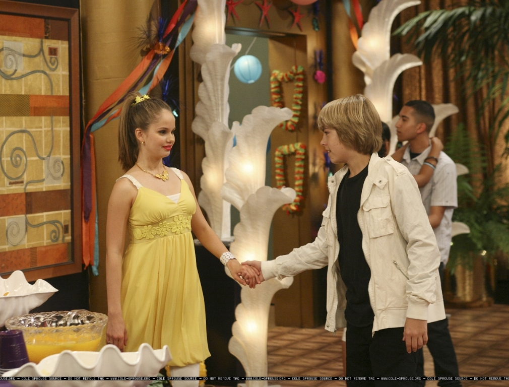 http://images2.fanpop.com/images/photos/6300000/1x06-Still-cody-and-bailey-6384587-1010-768.jpg
