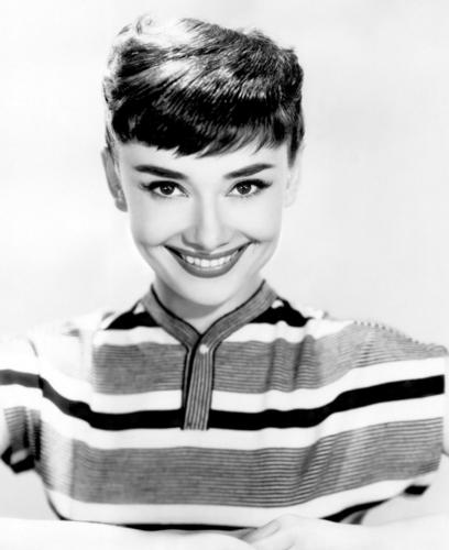 Audrey Hepburn wallpaper possibly containing a portrait called Audrey Hepburn