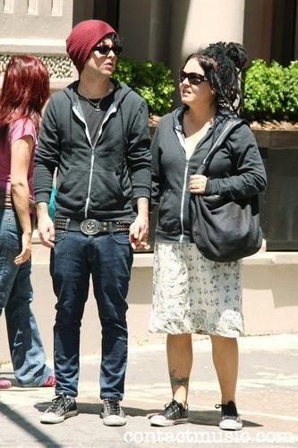 Billie Joe & Adrienne in SoHo, New York (20/5/09)