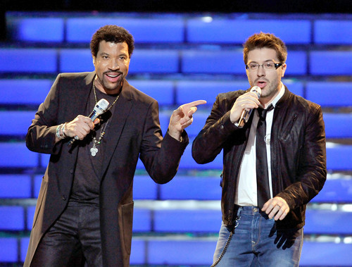 Danny Gokey and Lionel Richie perform