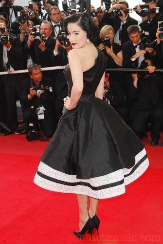 Dita Von Teese @ the Cannes Film Festival 2009 (Day 8)