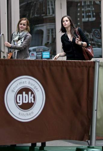 Emma Watson & Kaya Scodelario at Gourmet Burger রান্নাঘর in Hampstead May 18