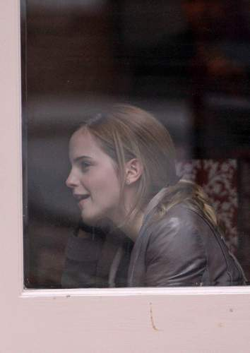 Emma Watson & Kaya Scodelario at Gourmet Burger キッチン in Hampstead May 18