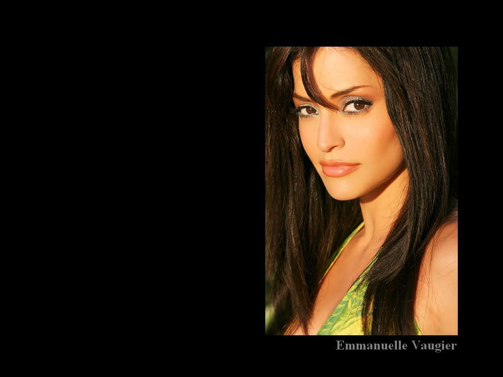 Emmanuelle پیپر وال