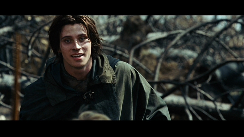 http://images2.fanpop.com/images/photos/6300000/Eragon-garrett-hedlund-6397965-853-480.jpg