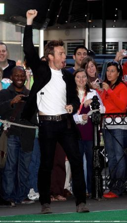 Ewan on GMA - New York, 13th may.