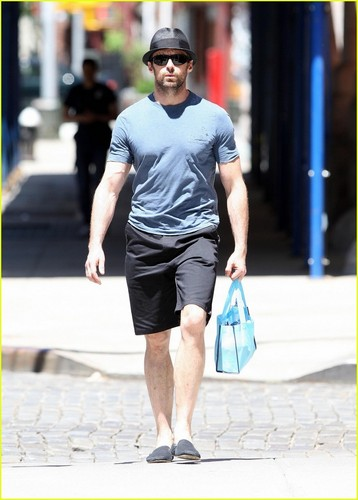 Hugh Jackman is A Popsicle Parent :)