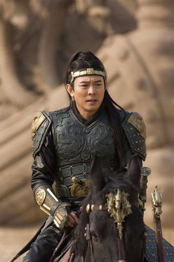 http://images2.fanpop.com/images/photos/6300000/Jet-Li-jet-li-6366400-600-903.jpg