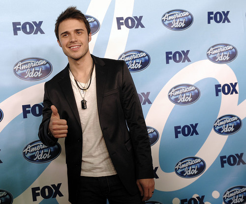 American Idol Hintergrund probably containing a business suit entitled Kris Allen--Season 8 Winner