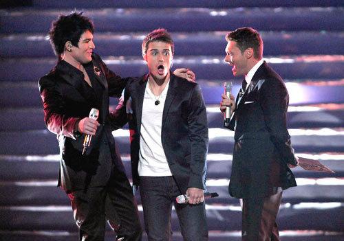 Kris Allen is chosen is the season 8 winner of American Idol