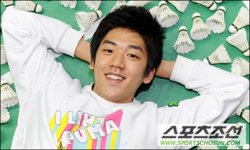 Badminton wallpaper possibly with a neonate titled Lee yong Dae
