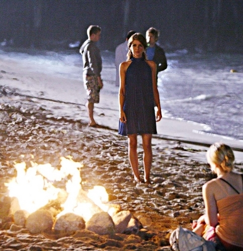 Naomi & Annie 1x01 stills
