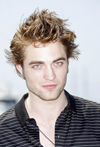 Robert Pattinson HQ