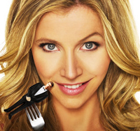 sarah in maneater sarah chalke icon 6354974 fanpop