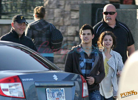 Selena Gomez  Taylor Lautner on Selena Gomez And Taylor Lautner   Taylor   Selena Photo  6348827