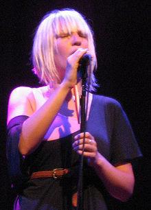 Sia fondo de pantalla with a concierto entitled Sia