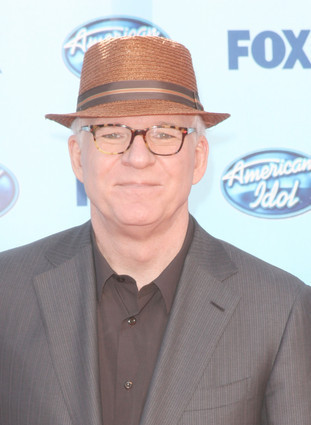 American Idol wallpaper with a fedora, a business suit, and a campaign hat called Steve Martin at the finale