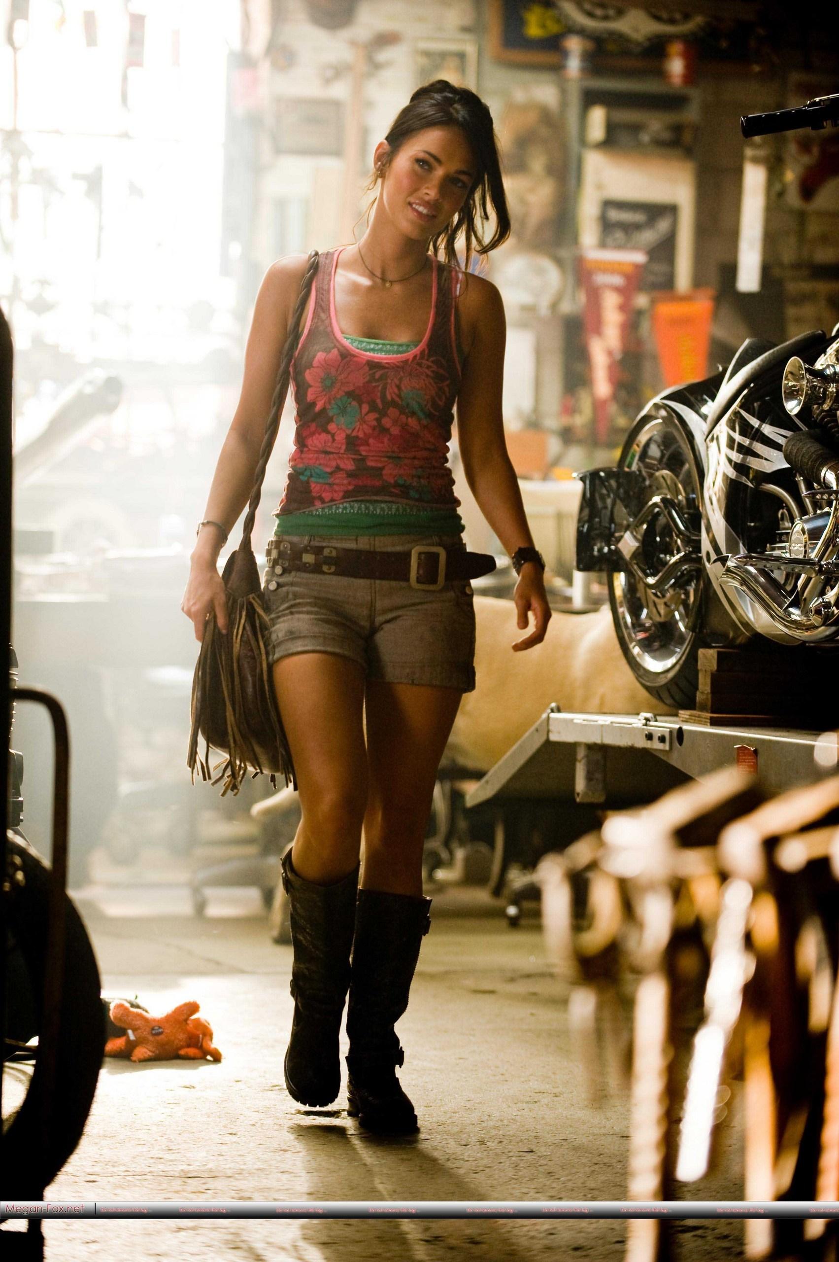 Megan fox transformers revenge of the fallen 8