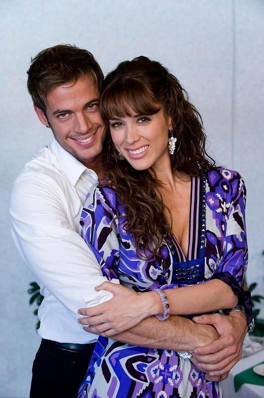 William Levy y Jacqueline Bracamontes. This is their moment!