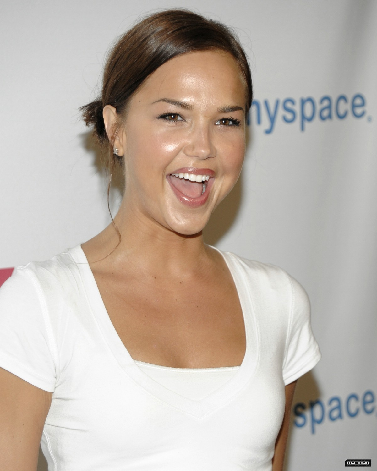 Arielle Kebbel - Wallpaper Gallery
