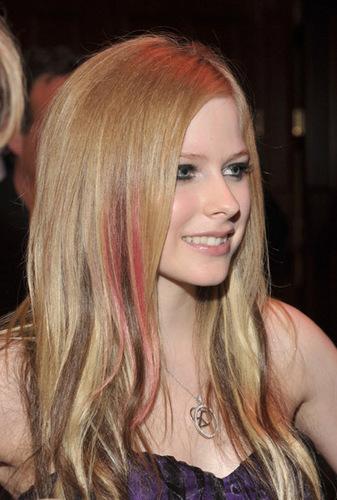 2009 Race to Erase MS Event - Century City, LA Avril-Lavigne-avril-lavigne-6430219-337-500