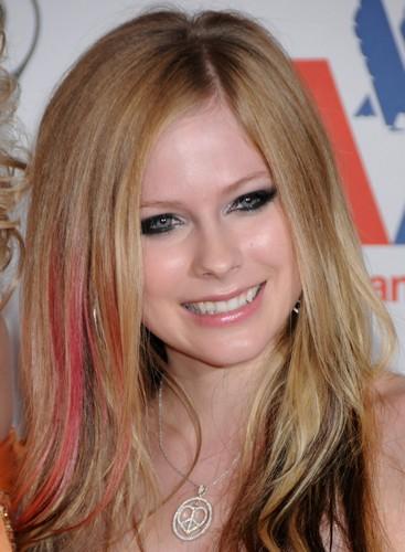2009 Race to Erase MS Event - Century City, LA Avril-Lavigne-avril-lavigne-6430433-367-500