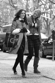 Blair Waldorf wallpaper titled Blair and Serena