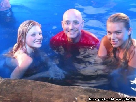 Cariba Heine and Phoebe Tonkin - h2o-just-add-water photo