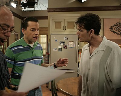 Two and a Half Men karatasi la kupamba ukuta probably with a brasserie titled Charlie and Alan Harper