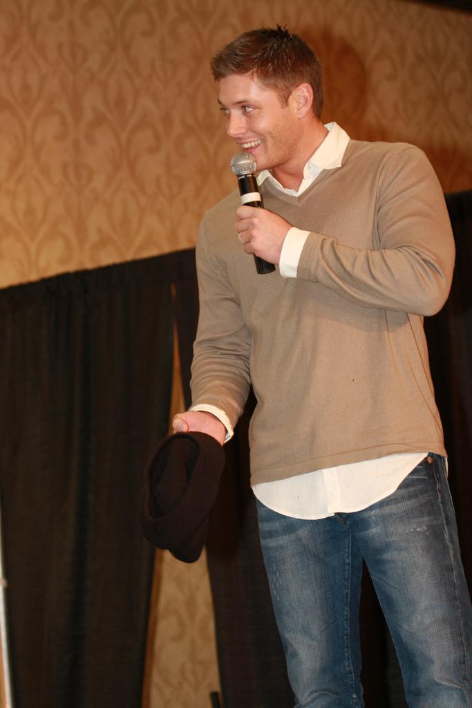 Jensen Ackles Chicago Supernatural Creation Convention November 2008