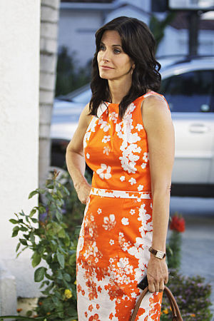 Cougar Town Hintergrund titled Cougar Town Pilot Promotional Pictures